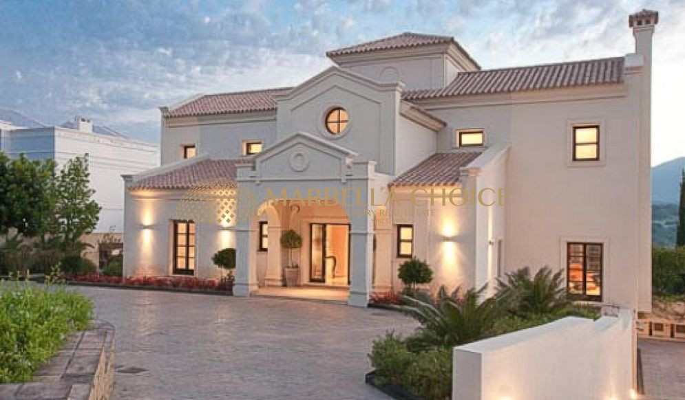 5 Bed Front Line Golf Villa in Los Flamingos