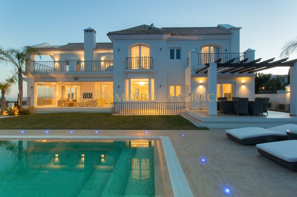 9bed villa with fabulous views in Los Flamingos