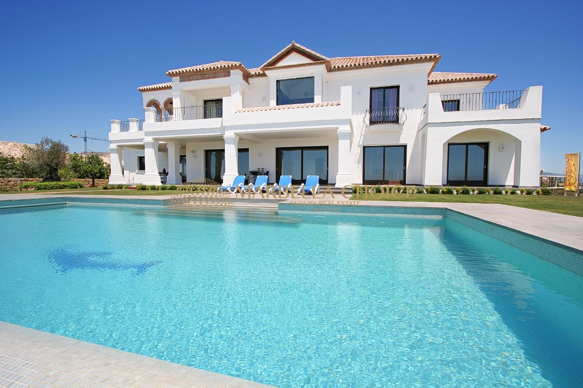 Los Flamingos Villa -Views to the Golf, Sea, Lake, Gibraltar